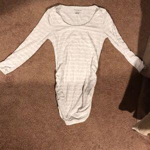 3/4 sleeve maternity shirt